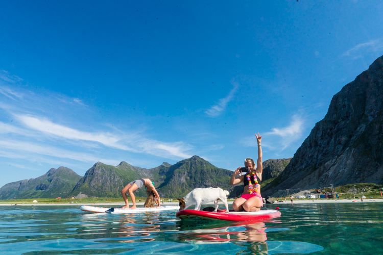 Landrover mobil, SUP, Stand up paddle, Lofoten, truls, paddle og fjell